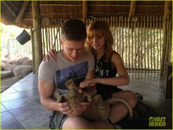 Bella-thorne-and-tristan-with-newborn-cub