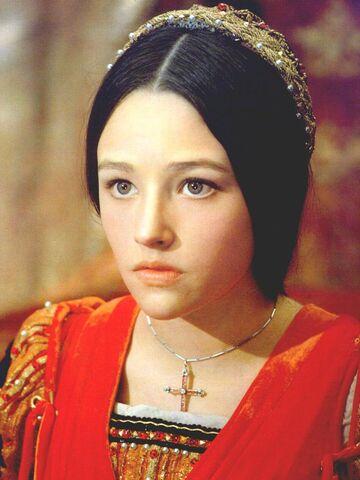 File:Juliet-Capulet-Montague-Photos-juliet-montague-1968-24386359-864-1152.jpg