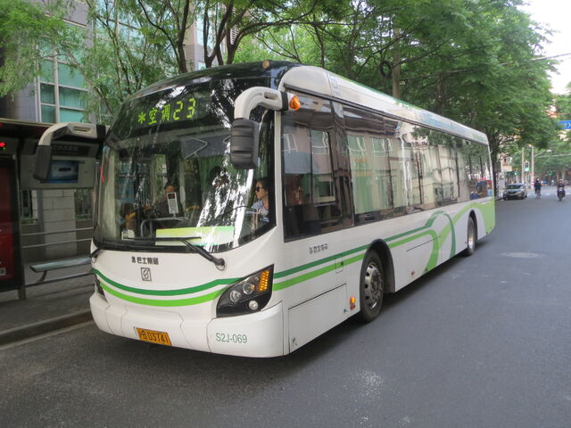 File:Electric bus.JPG
