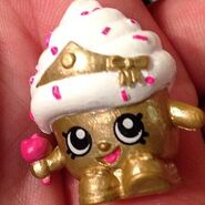 Cupcake queen toy