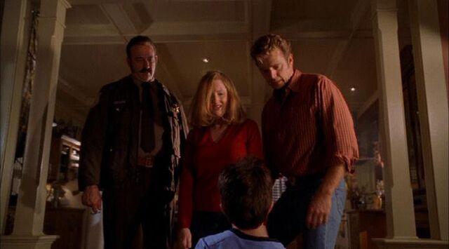 File:Smallville s02e07 485.jpg
