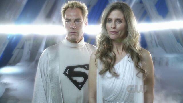 File:Superman Krypton Jor-el SV Julian Sands Jor-El 1508553-jorelsmallvillelara.jpg