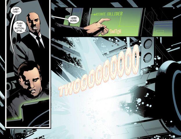 File:Smallville - Chaos 008 (2014) (Digital-Empire)011.jpg