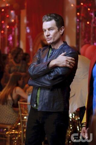 File:Brainiac 5 Smallville-1.jpg