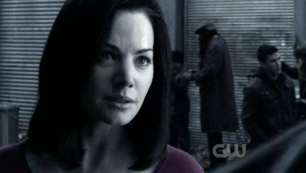 File:Lois Lane Smallville Earth 2.jpg