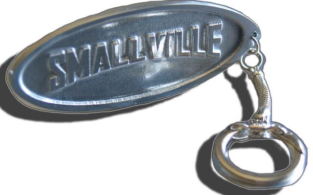 File:Smallville Keychain.jpeg