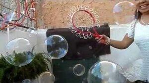 Demonstrating the Mulit-Mini Loop Bubble Wand Video 1