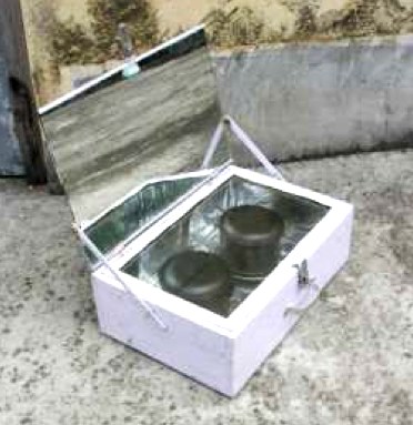 File:Low-cost wooden box cooker, 2-1-17.png