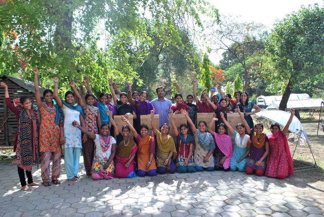 File:Solar cooker training - Barli Institute - May 2013.jpg