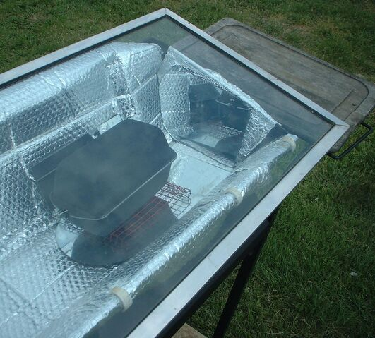 File:West's Solar Oven Cooking Cart in action closeups 003.jpg