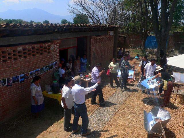 File:Cocina Solar Mexico 2013.jpg