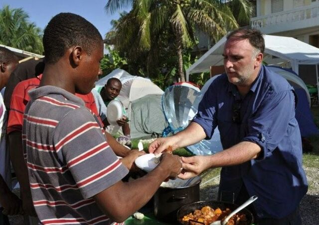 File:José Andrés serves a solar meal to earthquake survivors in a Port-au-Prince encampment (Photo- Manolo Vílchez), 6-23-14.jpg