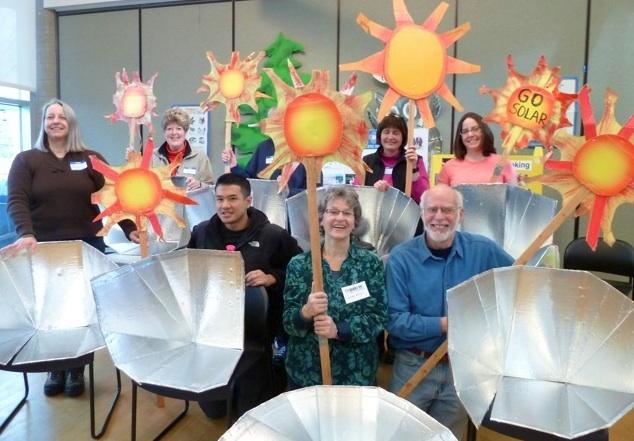File:Sustainable NE Seattle soalr cooker workshop.jpg