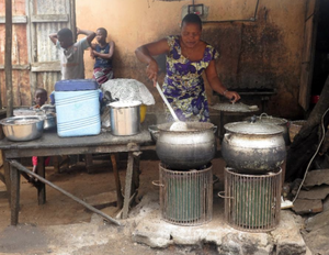 Photovoltaic cooking, Benin, 11-30-15