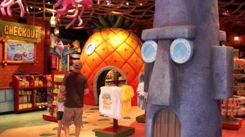 Inside Spongebob Storepants at Universal Studios - Meet Spongebob Squarepants