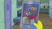SpongeBob Checks His Snapper Chat 40