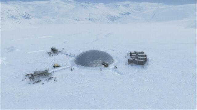 File:Antarctica outpost.jpg