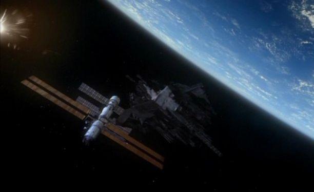 File:ISSSpaceJunk11.jpg