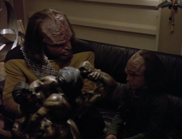 File:Worf and Alexander.jpg