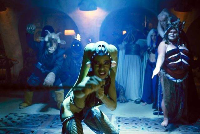 File:Oola defies Jabba.jpg