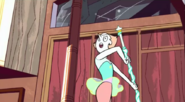 S1 e8 Pearl practing with her spear