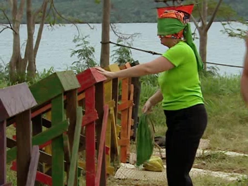 File:Survivor.Vanuatu.s09e11.Surprise.and.Surprise.Again.DVDrip 337.jpg