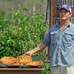 Jeff tempts the castaways down with pizzas.