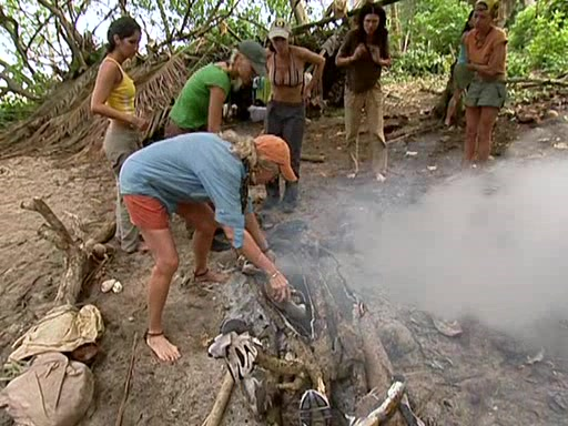 File:Survivor.Vanuatu.s09e02.Burly.Girls,.Bowheads,.Young.Studs,.and.the.Old.Bunch.DVDrip 253.jpg