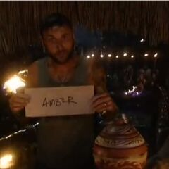 Lex votes against Amber.