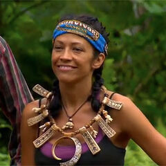 Laura wins her first individual immunity.