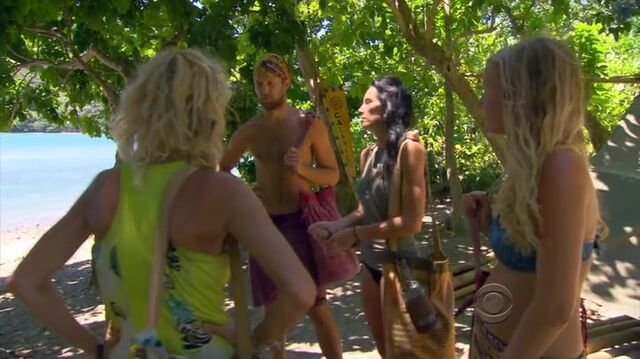 File:Survivor.s27e07.hdtv.x264-2hd 364.jpg