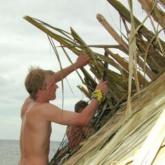 Greg building the shelter on Pagong.