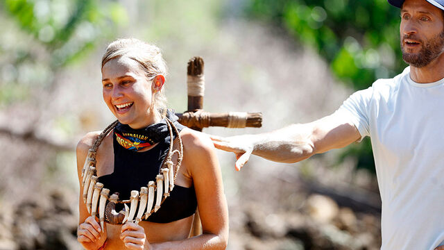 File:Australian-Survivor-Episode-18-Unhook-The-Chook-Immunity-Challenge---Jennah-Louise-Wins3.jpg