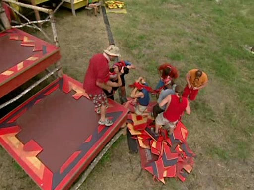 File:Survivor.Vanuatu.s09e02.Burly.Girls,.Bowheads,.Young.Studs,.and.the.Old.Bunch.DVDrip 354.jpg