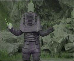 Dunyayi kurtaran adam blue robot