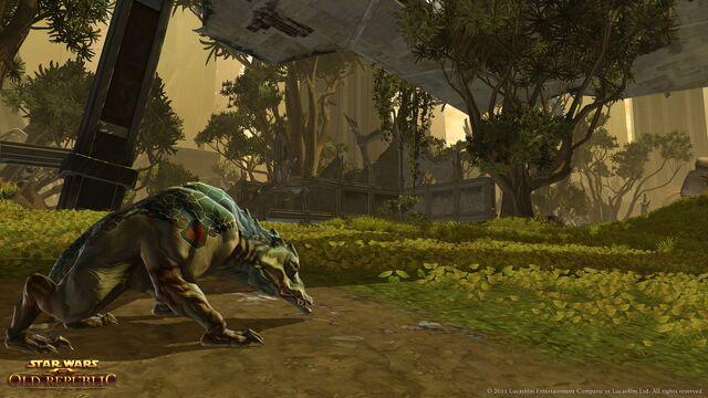 Datei:Ferrazid Hound prowls the undergrowth on Taris.jpg