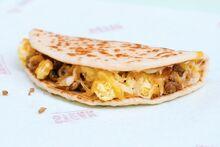 Taco-Bell-Sausage-Flatbread-Quesadilla