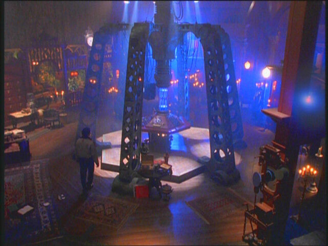 File:The 7th & 8th Doctor's TARDIS Console Room.jpg