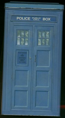 File:BOX SET TARDIS Trial Tin.jpg