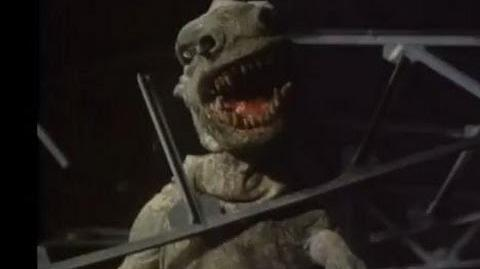 Snapping a T-Rex - Doctor Who Invasion of the Dinosaurs - BBC