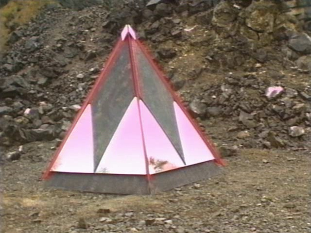 Pyramid tardis