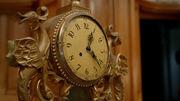 ClockHide
