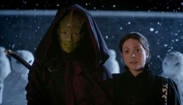 File:Lizard Woman From The Dawn Of Time And Wife.jpg