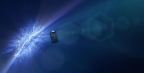 File:Tardis passing through bubble universe Rift.jpg