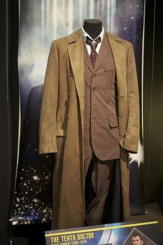 File:10thDoctorcostumeDWExperience.jpg