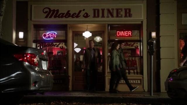 File:Mabel's Diner.jpg