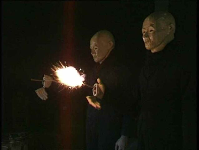 File:Pair of Autons firing BBV Auton.jpg