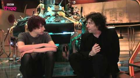 Charlie McDonnell interviews Neil Gaiman - Doctor Who Confidential - BBC Three