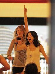 Taylor swift selena gomez double dating
