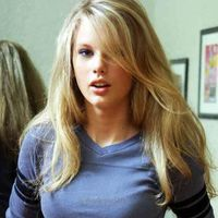 T swift looking really good